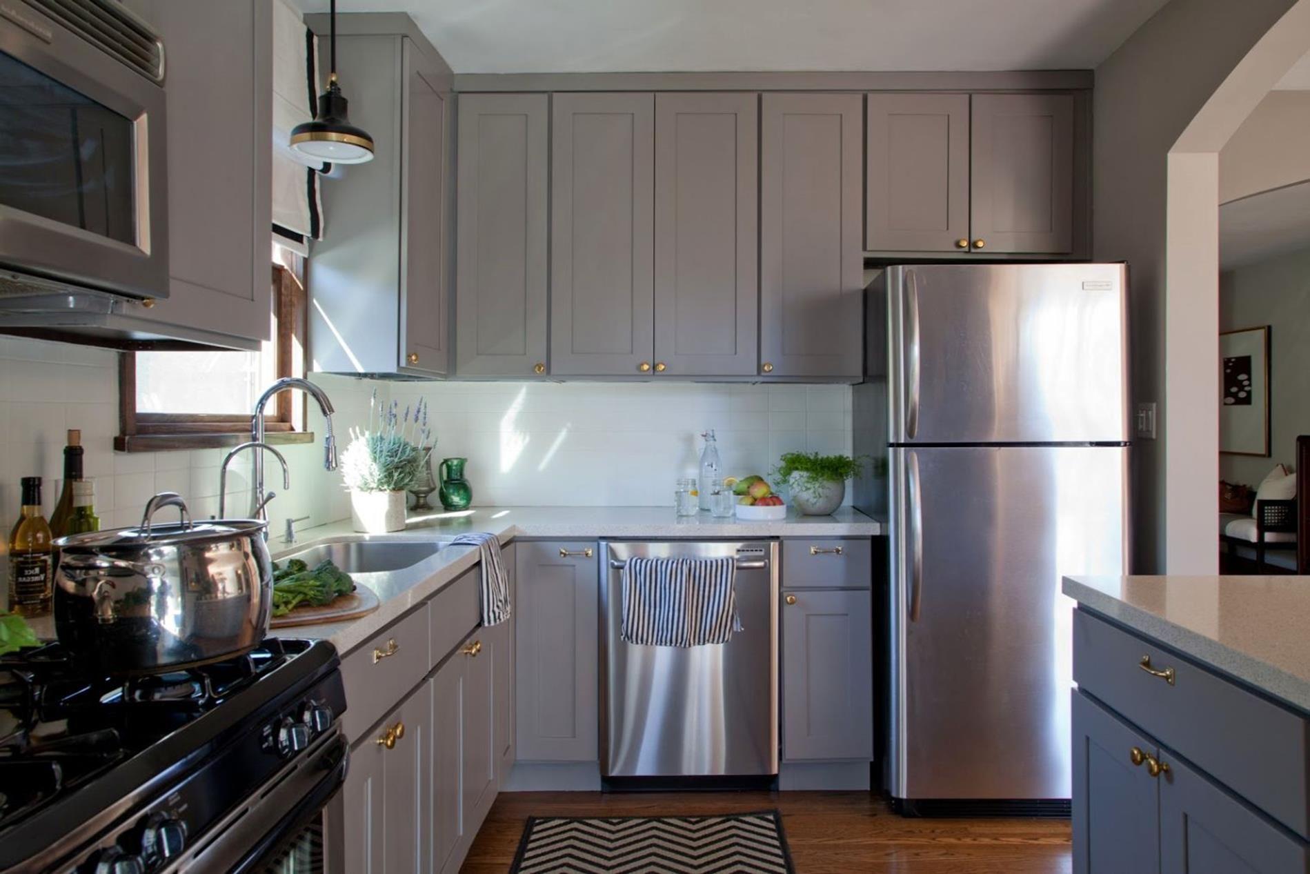 Light Grey Kitchen Cabinets Ideas 42 In 2020 Grey Kitchen Cabinets Kitchen Cabinet Design Grey Kitchen Colors