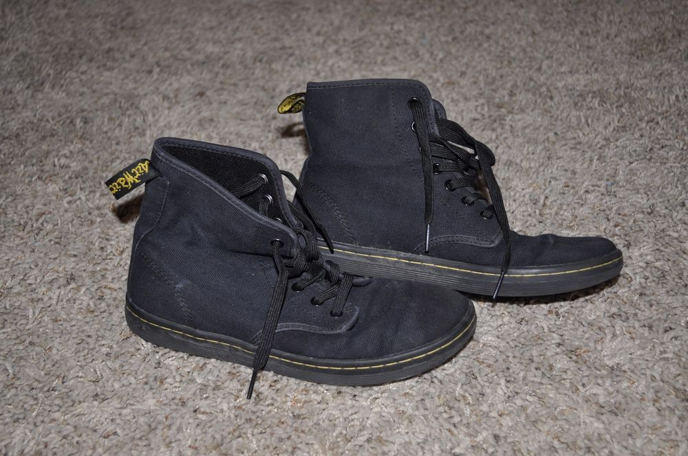40f5b2be44f DR. MARTENS WOMENS SHOREDITCH 7-EYE ANKLE BOOTS BLACK CANVAS 8 ...