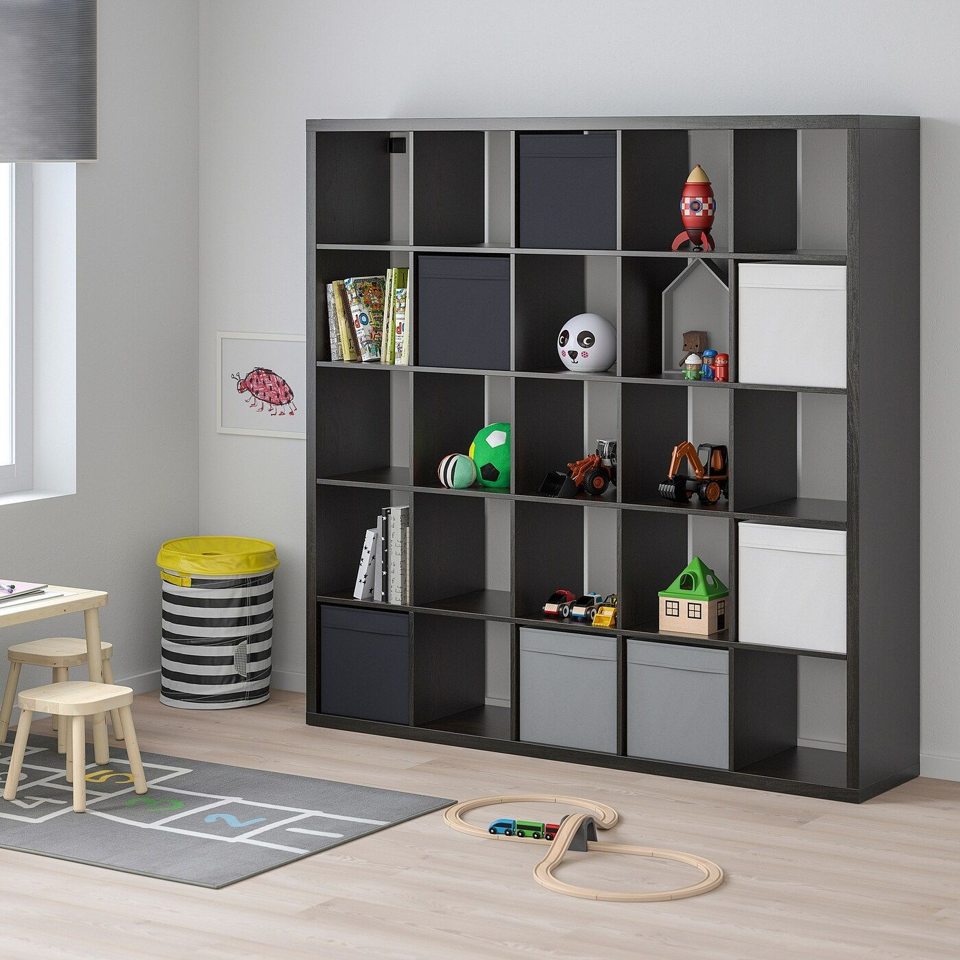 Ikea Kallax Regal Schwarzbraun Alsraumteiler Ikea Kallax Regal Schwarzbraun In 2020 Kallax Regal Ikea Kallax Regal Kallax