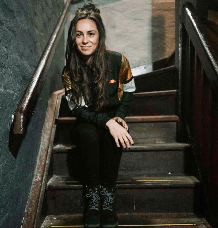 Amy Shark Singer Songwriter Singer Fashion And Beauty Tips Triple J Hottest 100