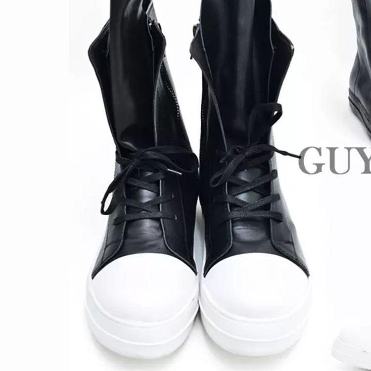 """My shoes #sunybeach #guylook #hotsingle #tækkerstyle #abelstyle #hotsingle #ladies #LDFIT #smuksi #fitfam #fit #fitnessfreak #shaki #squats…"""
