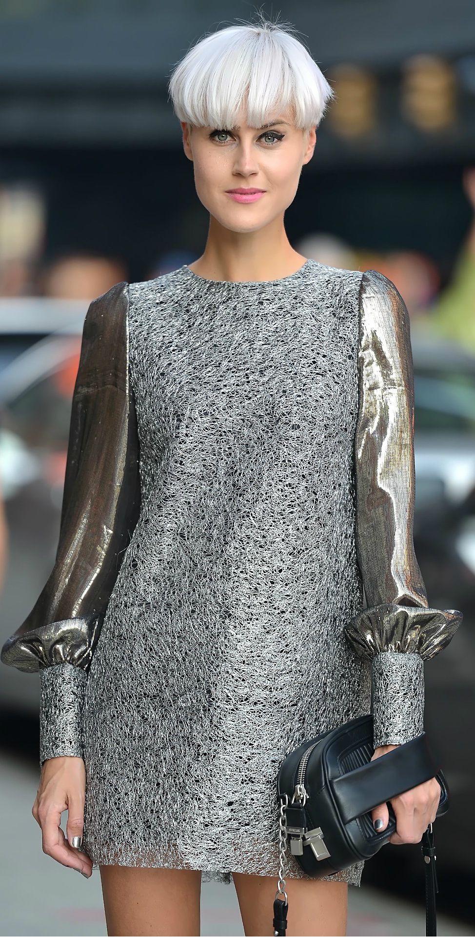 Fresh and fabulous, Linda Tol in Amedeo Piccione dress and Sportmax Mira bag.
