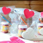 Paint your own heart - DIY Valentine gifts for kids