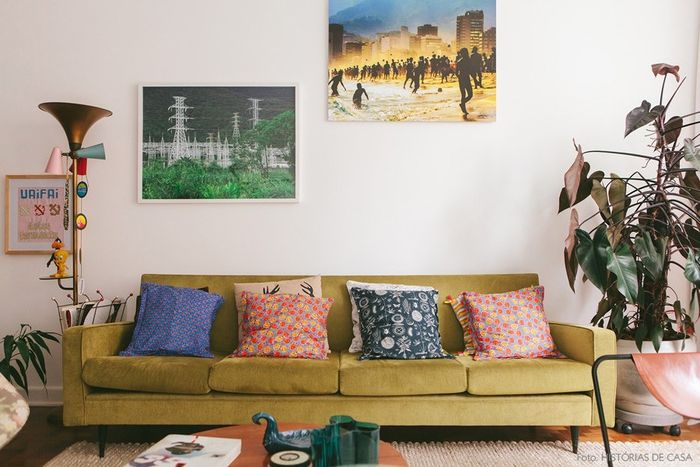 Vintage Wohnzimmer, schöne Einrichtungsideen, grünes Sofa, bunte ...