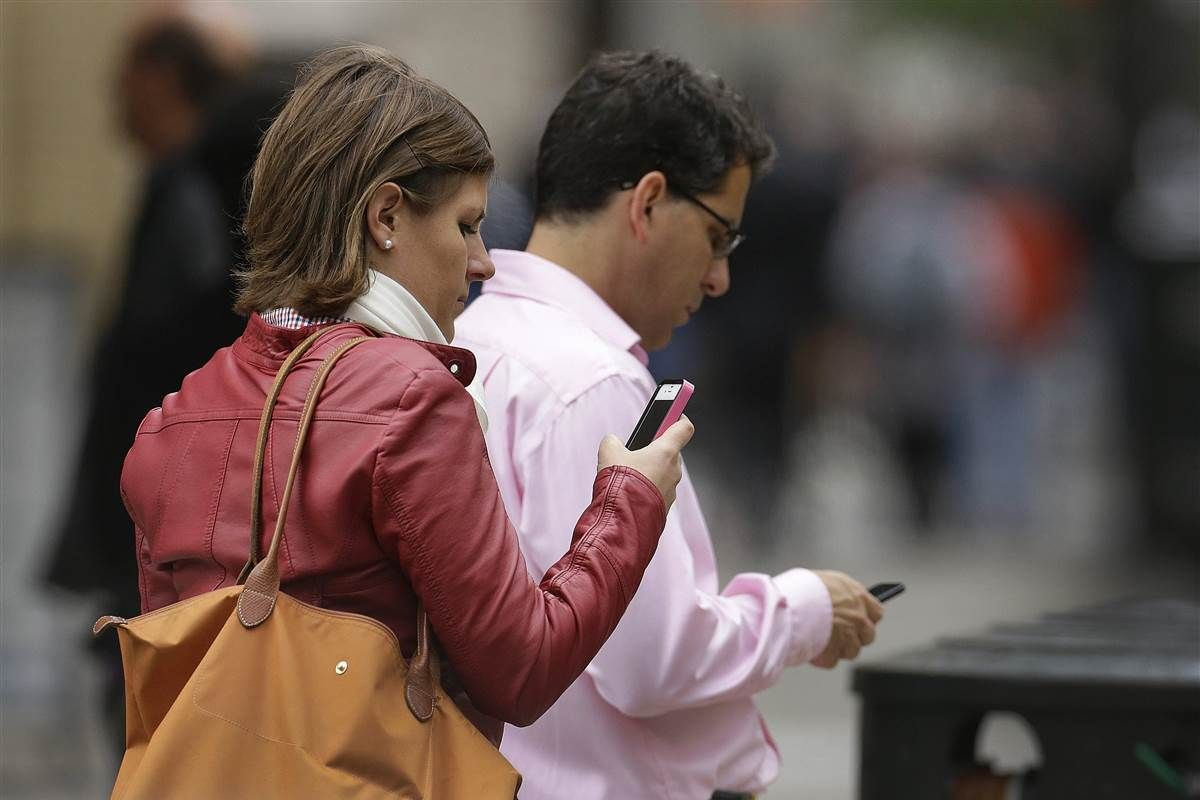 Budget deal gives debt collectors authority to robocall