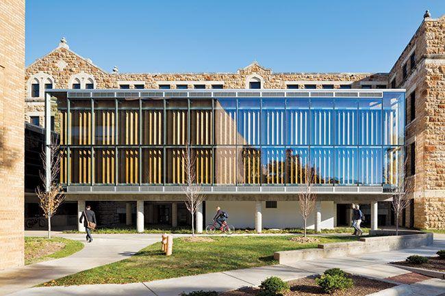 Forum, Marvin Hall, Escuela de Arquitectura, Diseño y Planificación de la Universidad de Kansas, Lawrence, KS - Studio 804 - © James Ewing