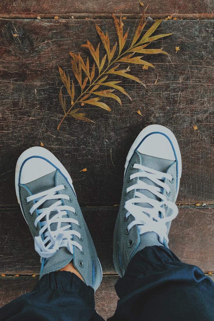 نزول قطع دم مع الدورة الشهرية هل هو امر خطير Chucks Converse Chuck Taylor Sneakers Converse Chuck Taylor