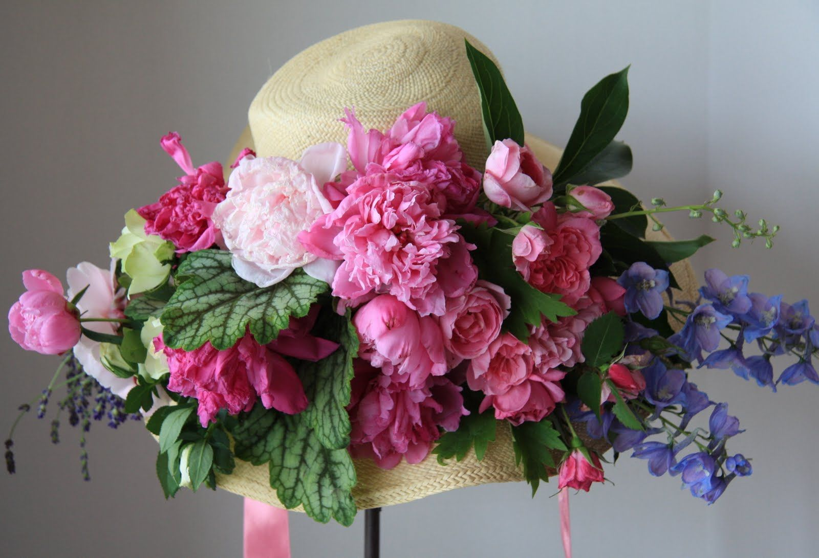 Glass Stunning Bonnet Crystal Flower Basket Outstanding Features Decorative Arts
