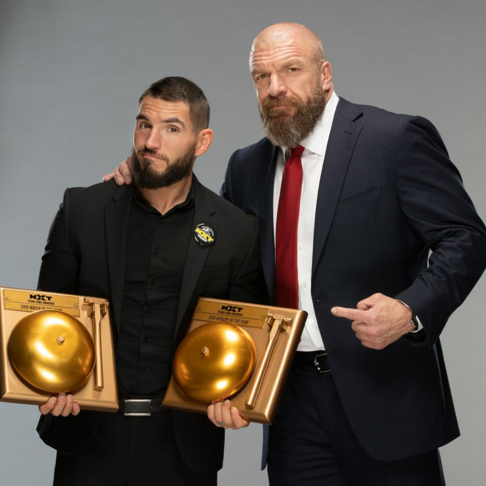 Photos Triple H Poses With Nxt Year End Award Winners Triple H Wwe Photos Wwe