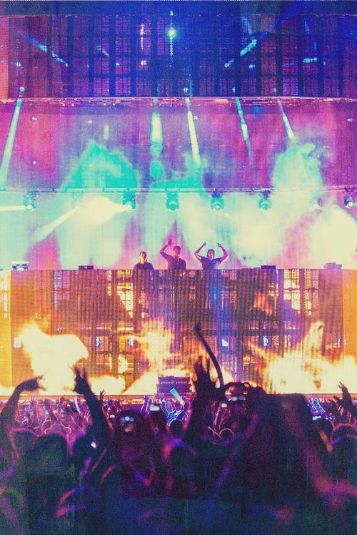 Swedish House Mafia...we're gonna save the world tonight <3 #edm #shm