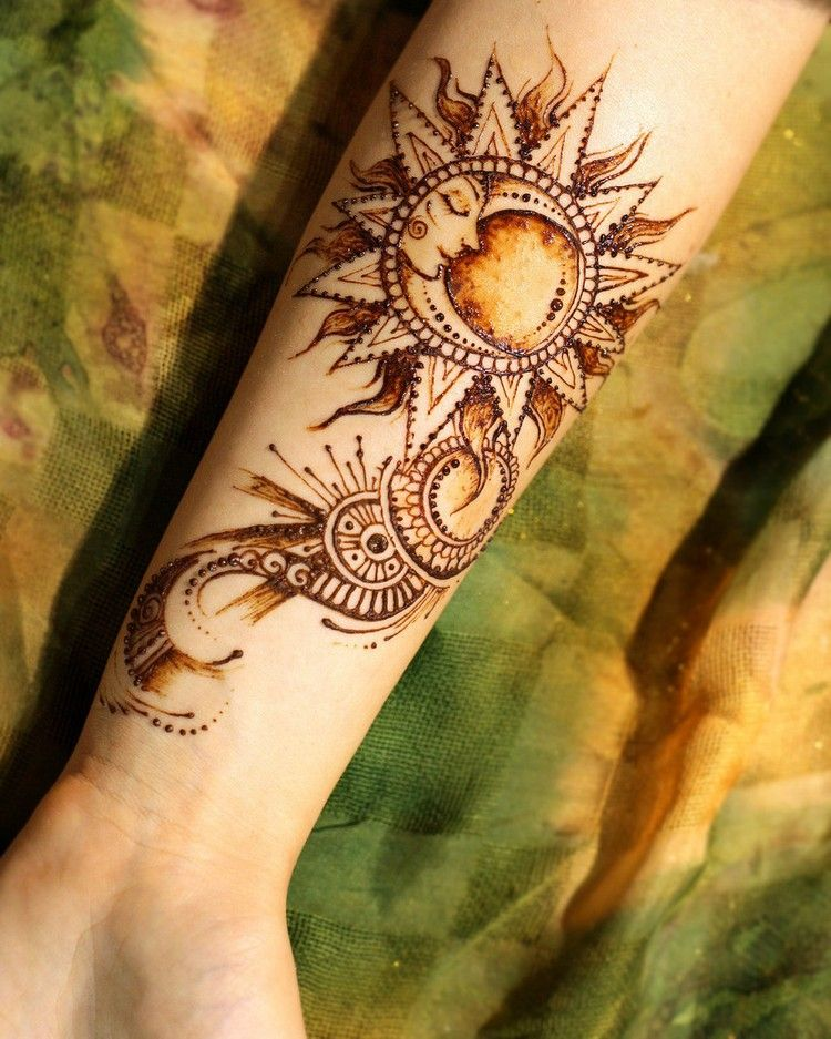 Passende Motive Für Ein Henna Tattoo Mond Sonne Und Sterne