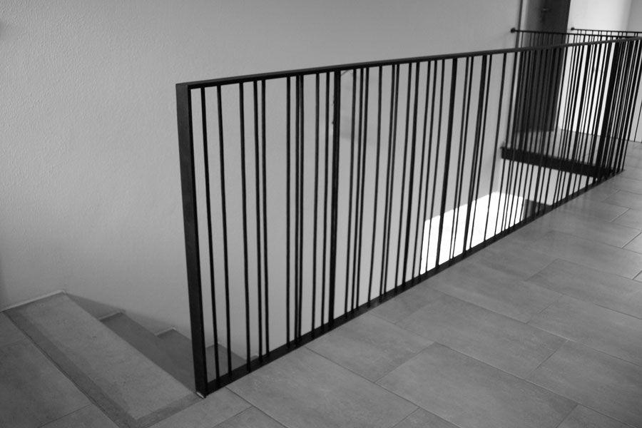 garde corps acier m tallique escalier barreaudage. Black Bedroom Furniture Sets. Home Design Ideas