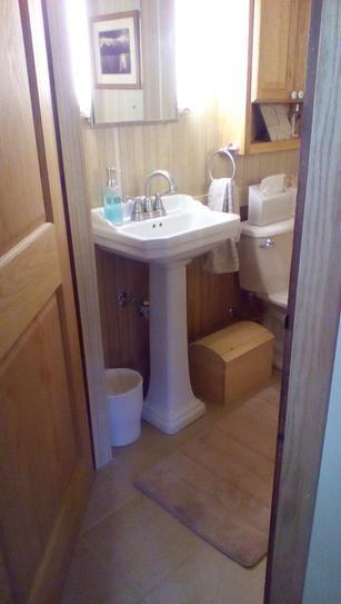 Foremost Series 1920 Vitreous China Pedestal Sink Combo In Biscuit Fl 1920 4bi Pedestal Sink Sink Home Depot