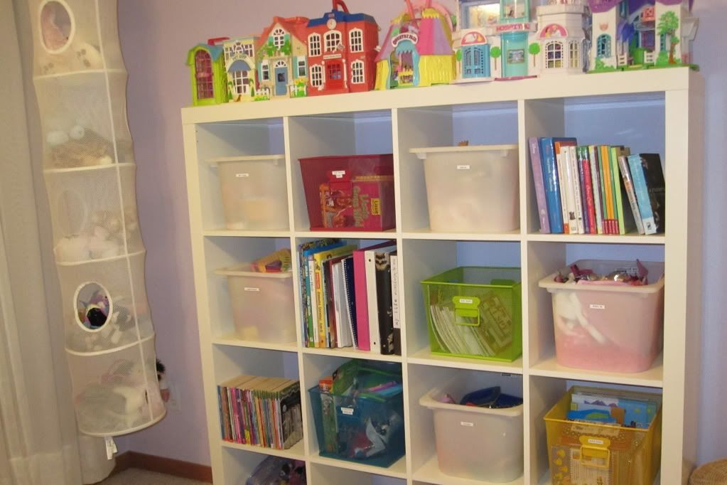 Kids bookshelf organize reese room playroom organization for 5 tips to organize your bedroom