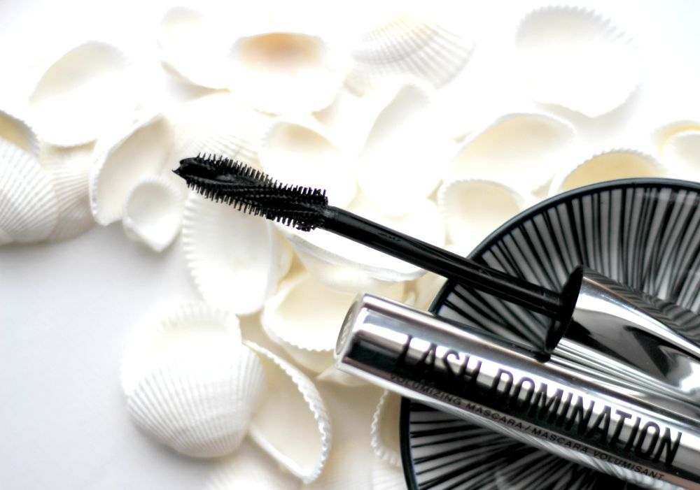 bareMinerals Lash Domination Volumnizing Mascara