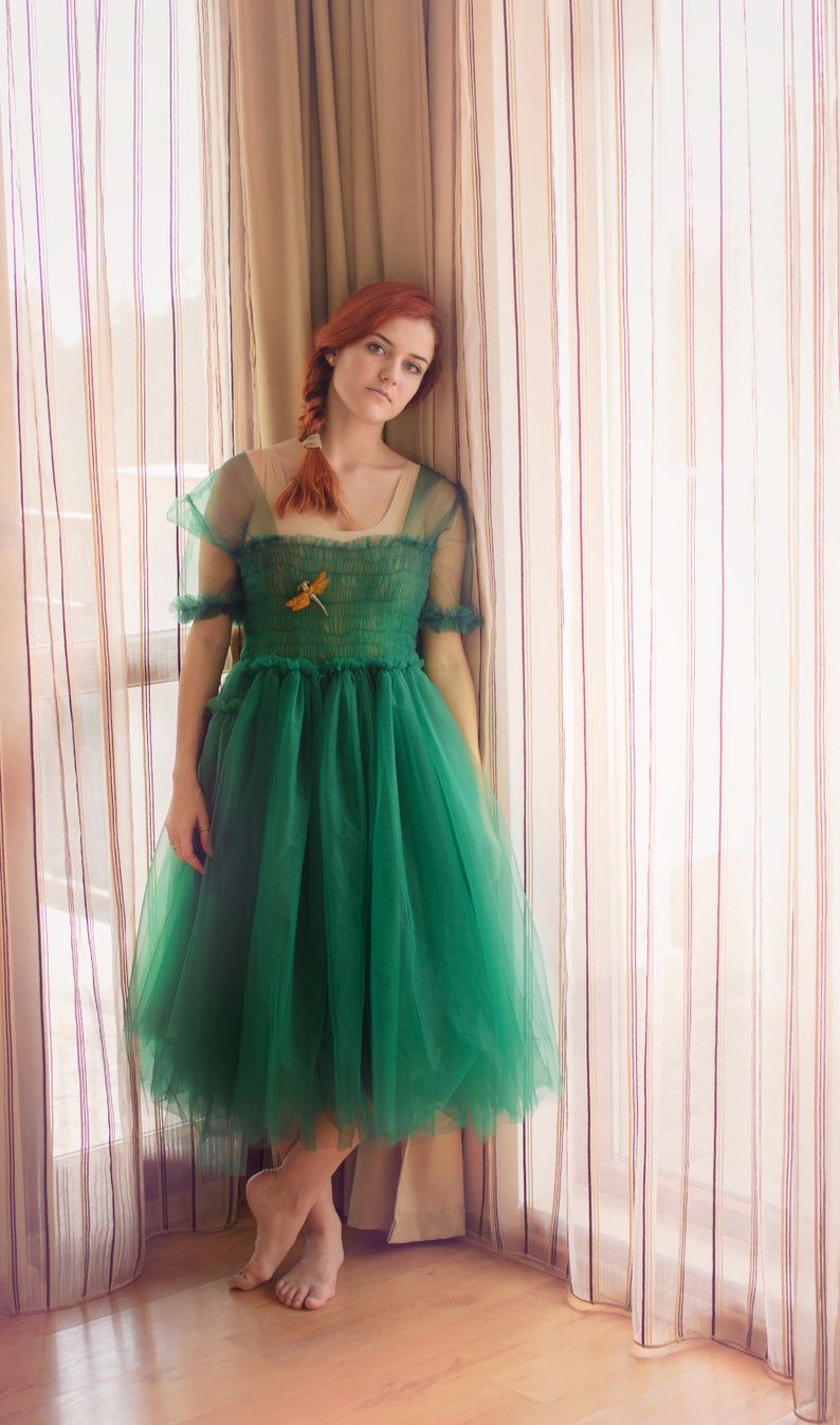 Villanelle Dress Green Tulle Dress Alternative Wedding Mesh Etsy Tulle Dress Boho Bridal Dress Romantic Dress [ 1346 x 794 Pixel ]