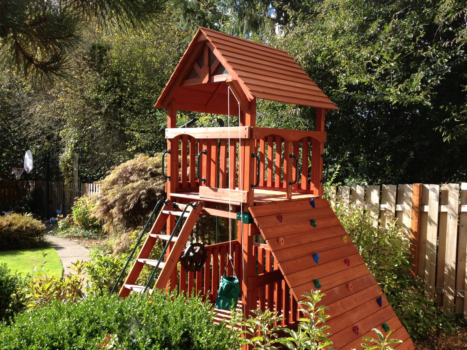 Play Structure In Small Yard Play Structures Small Backyard