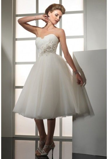 Gorgeous Organza Fabric A-line Wedding Dress