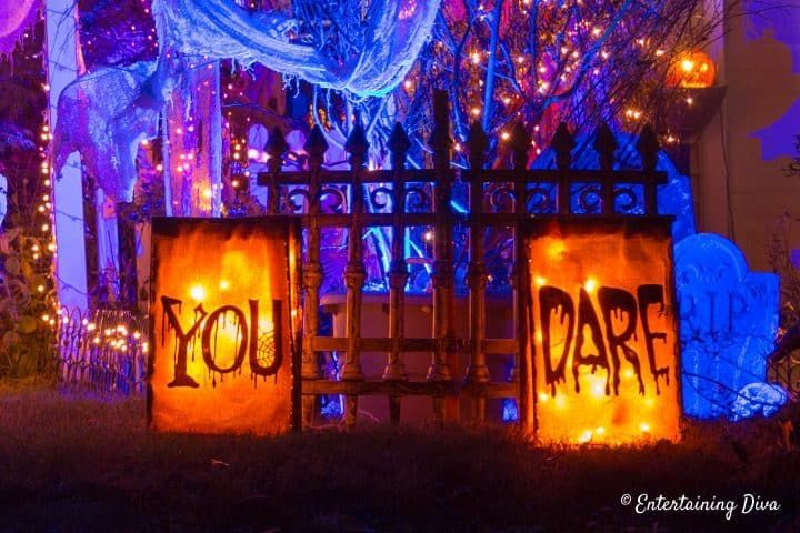 Find out how to create a Halloween cemetery for your yard haunt. All kinds of ideas for Halloween outdoor decorations. #halloweenobsession #yardhaunt #halloweendecor #diyhalloween #halloween #halloweenoutdoordecor