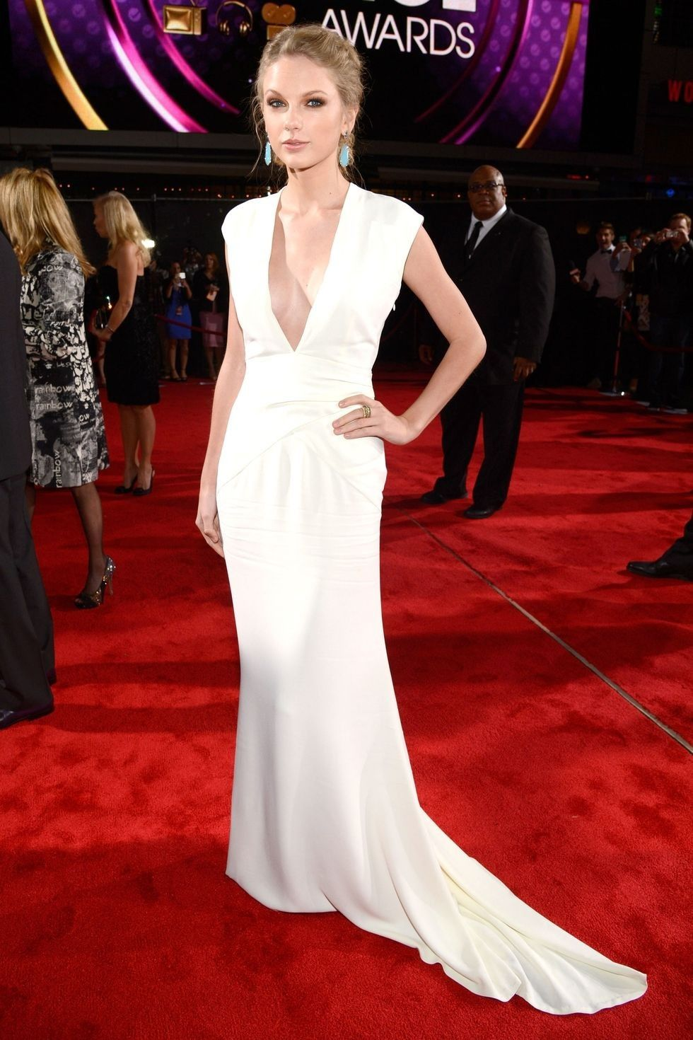 Taylor Swifts Best Red Carpet Moments   Vogue