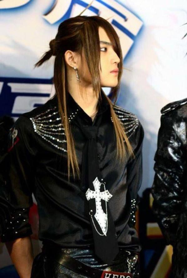 10 Male K Pop Idols You Forgot Had Long Hair Koreaboo Long Hair Styles Boys Long Hairstyles Kpop Fashion