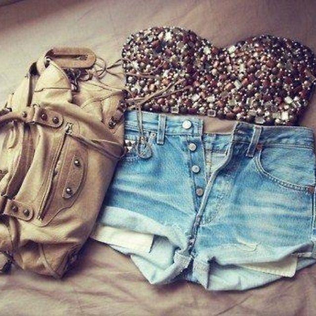 High rise shorts <3