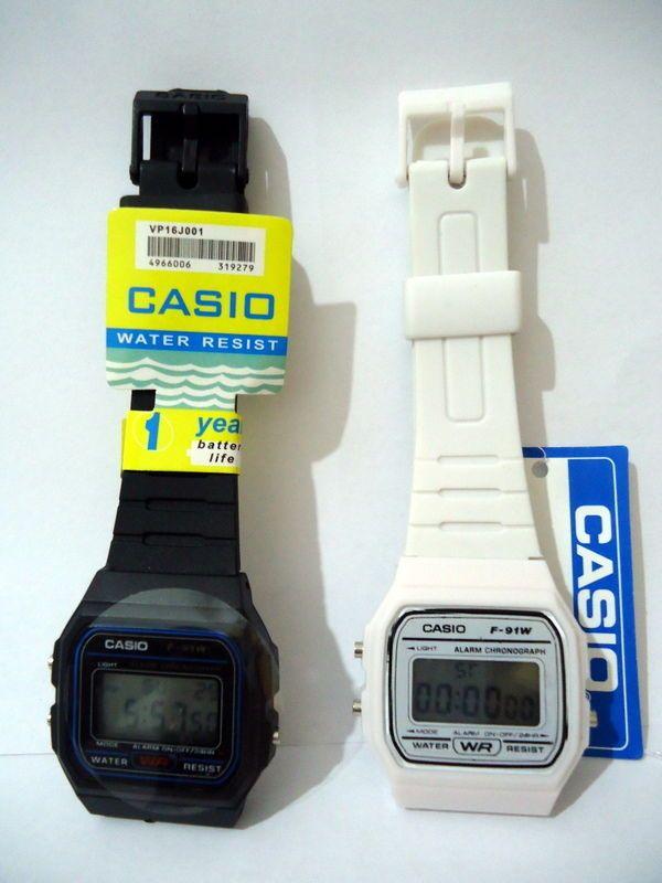 montres casio lot de 2 blanche + noir made in Malaysia neuf  uwoG5