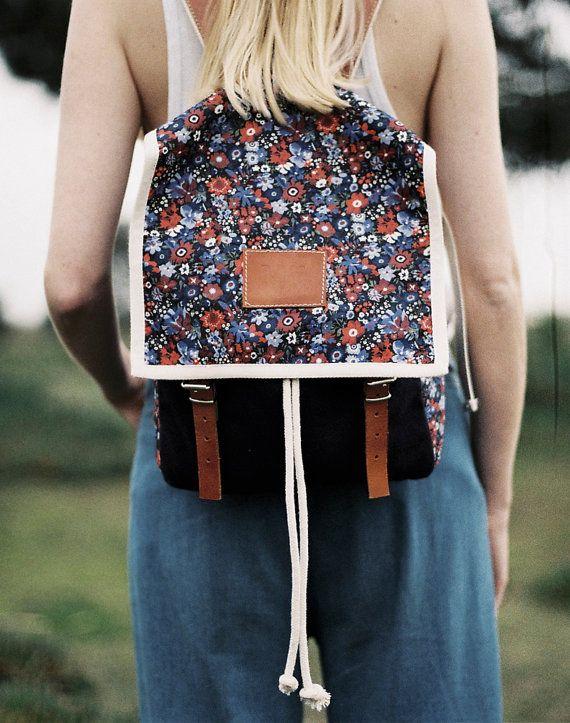 Krone Print Rucksack, blau Canvas und Leder-Rucksack, roten und weißen Blumen, Damen Rucksack