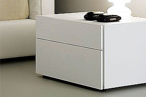 The Fun White Lacquer Nightstand By Rossetto Combines Traditional Italian Craftsmanship With Today S Modern Design Trends