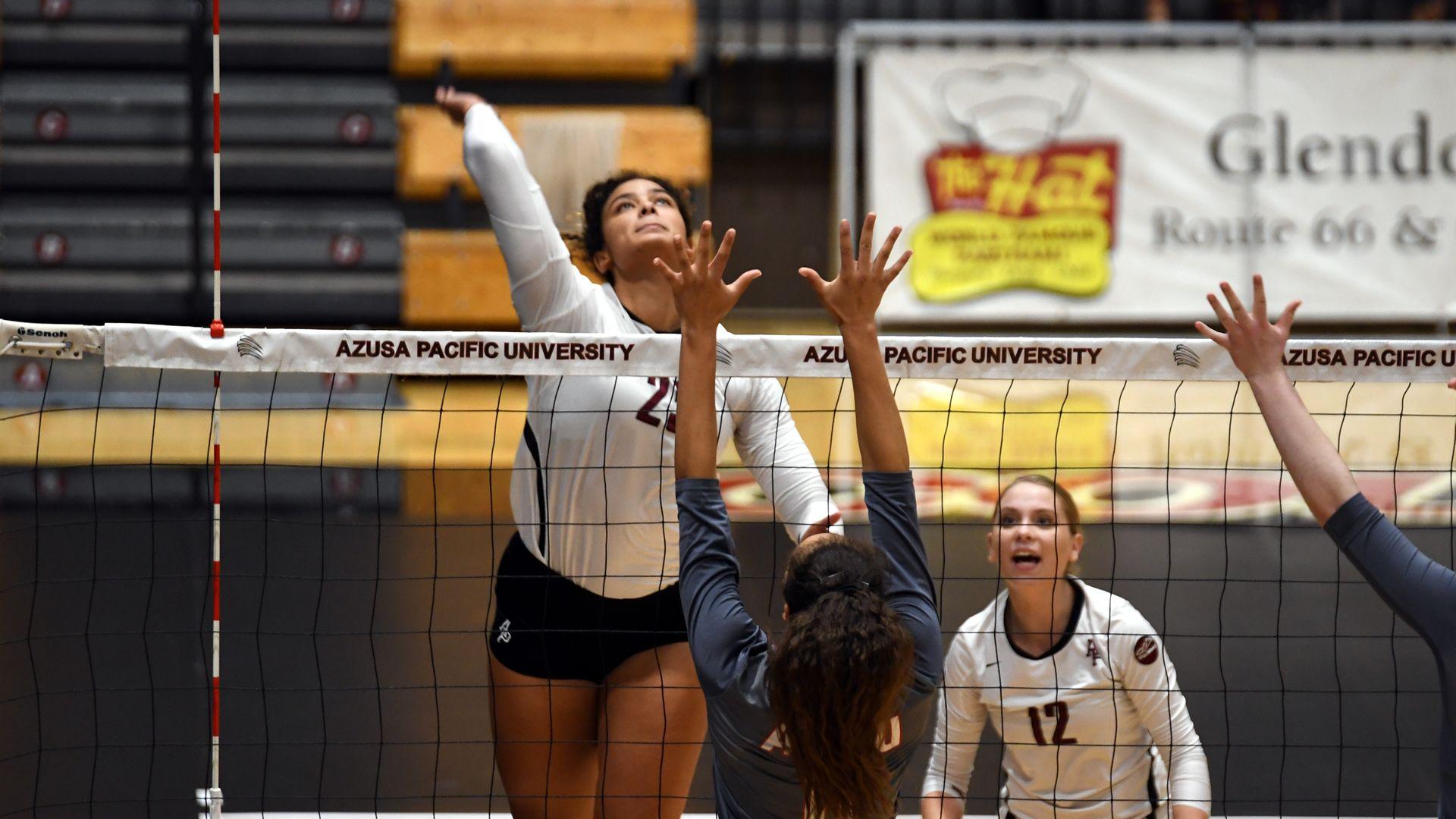 Volleyball Starts Island Trip With 20th Win Azusa Pacific University Athletics Azusa Pacific Azusa Azusa Pacific University