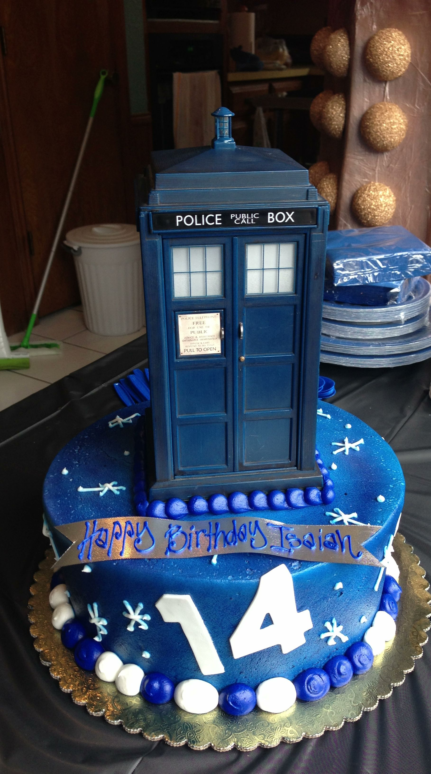 this for my 14th with Gallifreyan writing on it of course p