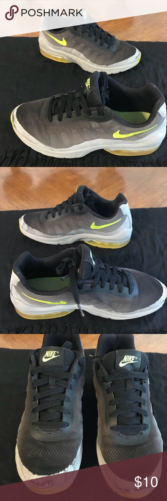 Nike Air Athletic Shoes Youth Size 6 Black and neon yellow Nike Air  Athletic Shoes. 2ea4edcae