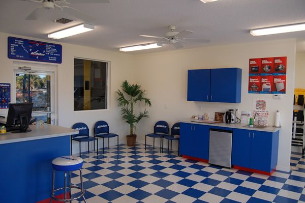 Auto Shop Waiting Rooms Blue And White Auto Shop