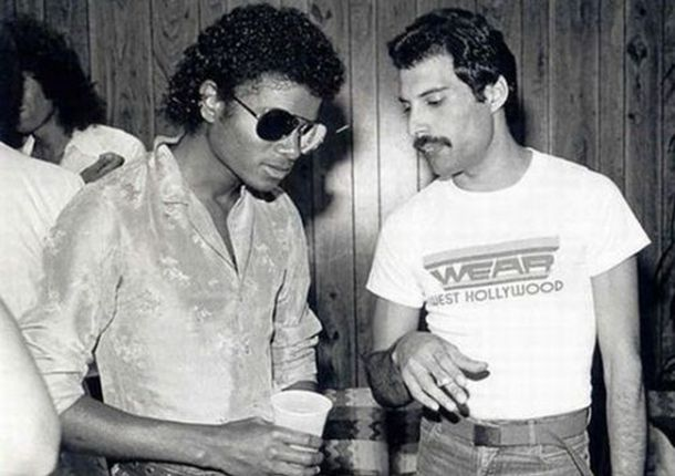 Michael Jackson and Freddie Mercury. Vaya par de dos. El Rey del Pop y la Reina. Mercury, todo un personaje y un gran amante de la música.