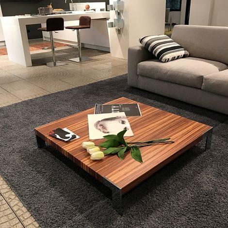 Tavolino Modello Liko Design In Finitura Legno Zebrano Il Tavolino E Dotati Di Quattro Robusti Piedini Di Appoggio Realizzati In A Divani Arredamento Tavolini