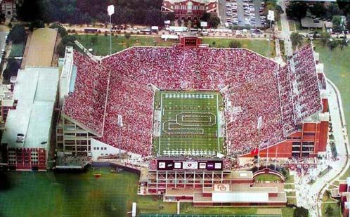 Ou Football Oklahoma Memorial Oklahoma University Football University Of Oklahoma