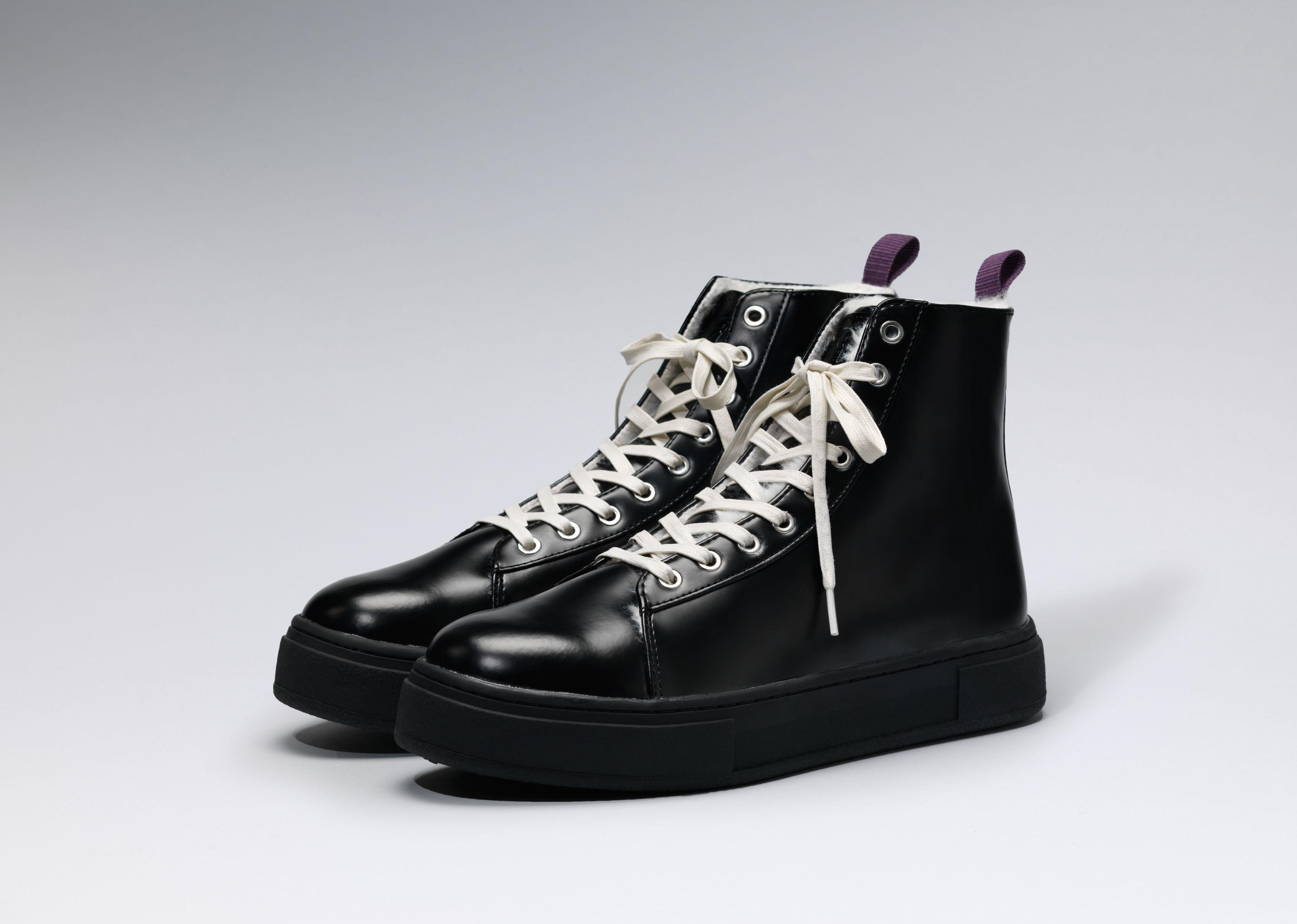 Eytys Kibo Leather in Arctic All Black