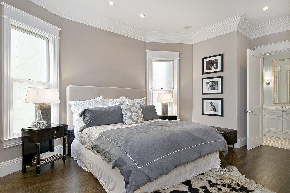 colore della camera da letto tradizionale con comodino multicolore ...