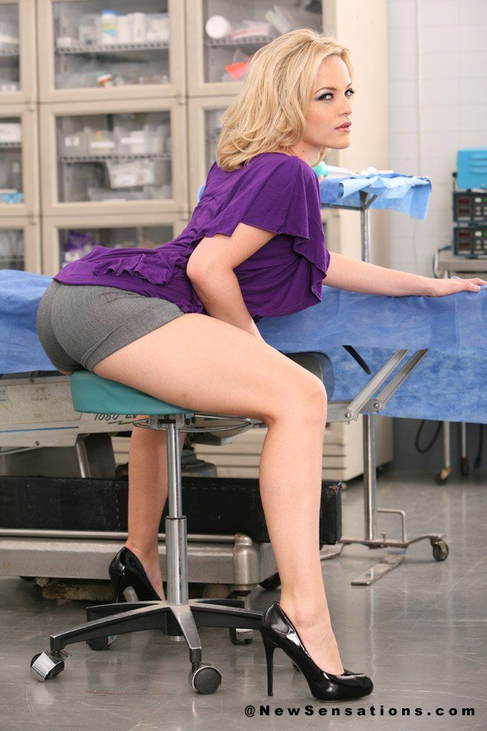Alexis Texas going wild at the hospital #Ass Alexis Texas, Adults Only, Sexy