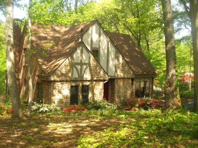 $225/night - Beautiful 5BR 4 BA Lakefront Home sleeps 12