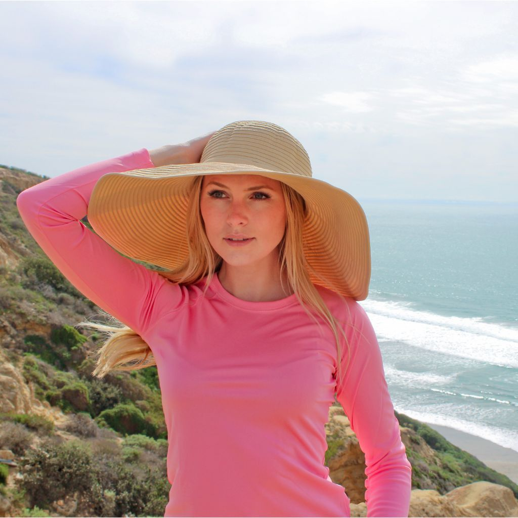 02f2b7c4207 This elegant yet posh UPF 50 women s sun hat caters to different sun  protection needs as it comes with a 5