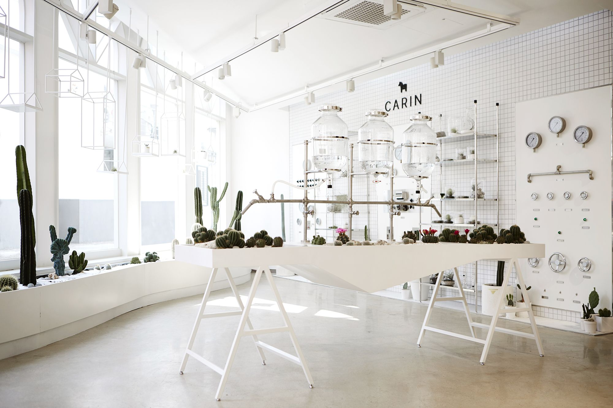 Pin By Angelina Hu On Whatever Pinterest Showroom And Retail # Meuble Tv Angelina
