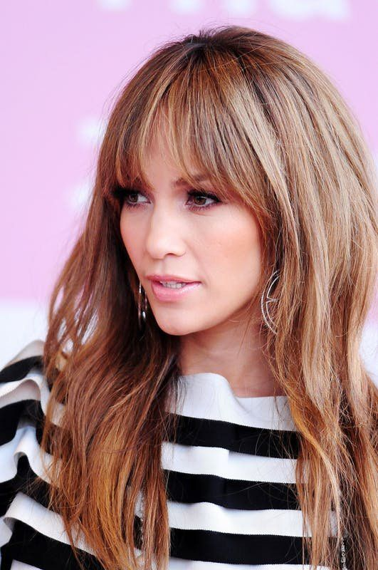 20 Celebrity Hairstyles That Are Bringing Bangs Back in 2018 ...