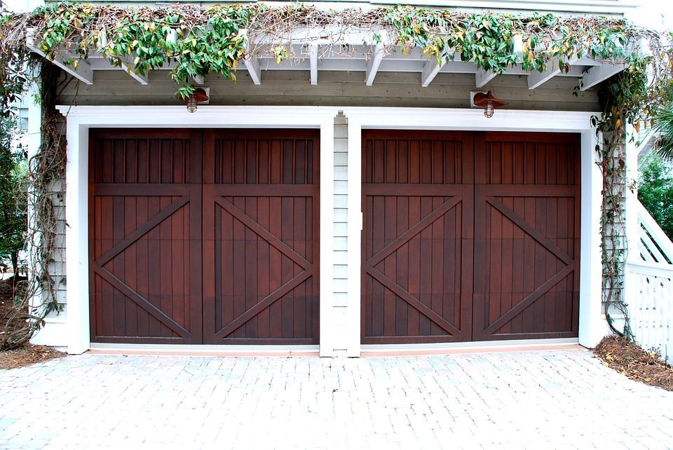 Buyer Guide For Contemporary Garage Doors Garage Door Spring