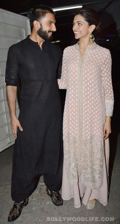 Bajirao Mastani Screening Ranveer Singh Deepika Padukone Play Adorable Hosts For Shahid Mira Hrithik Roshan S Indian Fashion Bollywood Fashion India Clothes