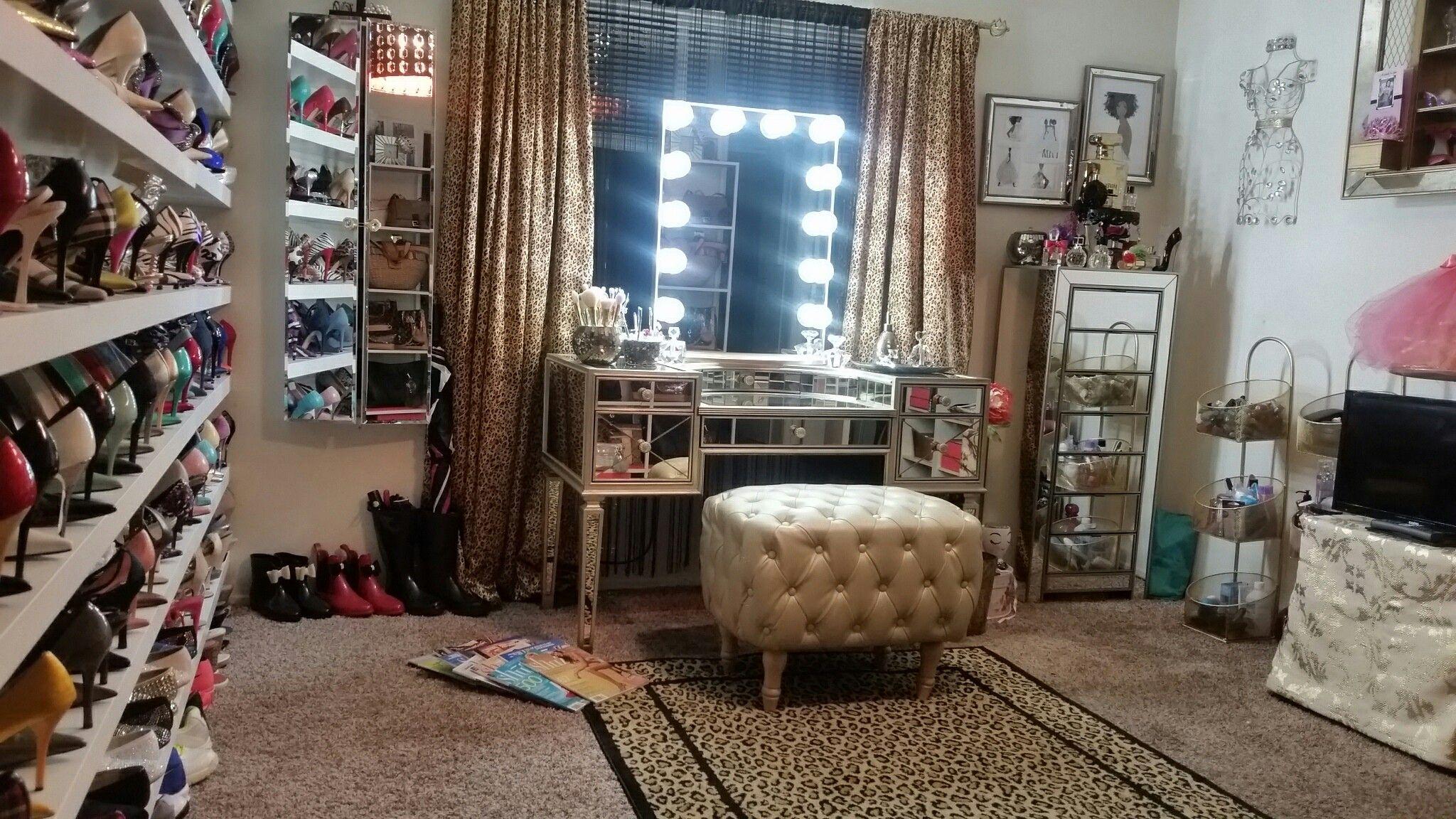 Dressing room, Closet room, Vanity room, Walkin Closet