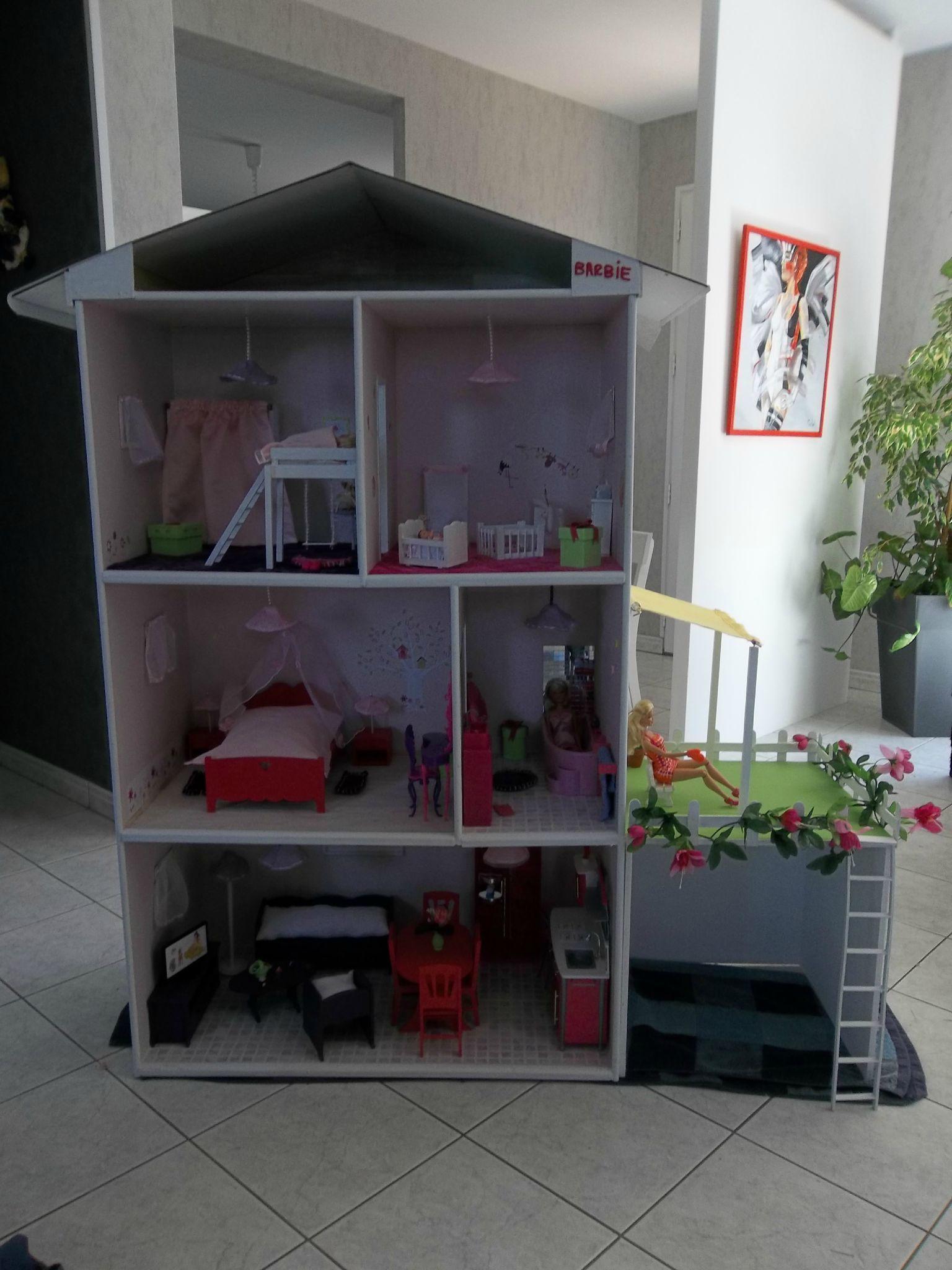 Fabrication maisons de poup e barbie construction de maisons de poup e barbie maison de - Construire une maison playmobil ...
