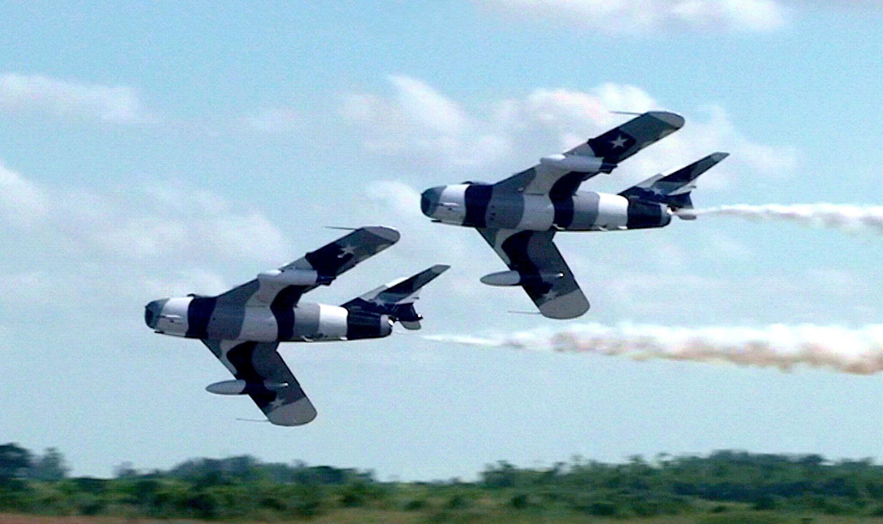 Black Diamond Jet Team, Mig 17's at an air show