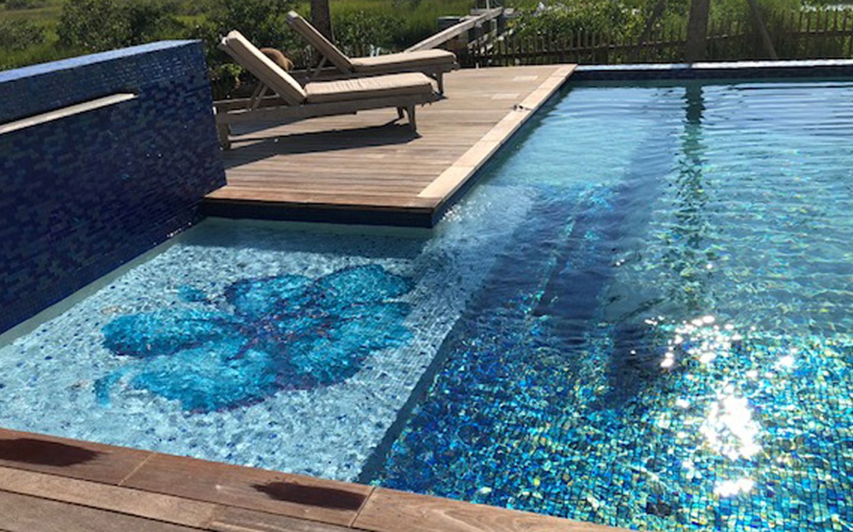 Custom 20mm Sunshelf Mosaic Fiore Flower By Agape Tile Llc Mosaic Pool Swimming Pools Swimming Pool Artwork
