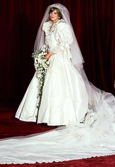 Princess Diana S Most Iconic Style Moments Princess Diana Wedding Princess Diana Wedding Dress Diana Wedding Dress